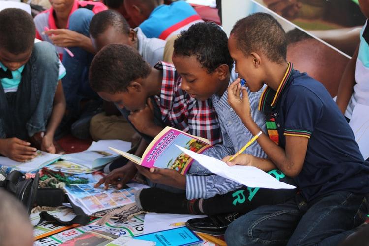[5 estratégias para estimular o interesse de seus alunos pela leitura]