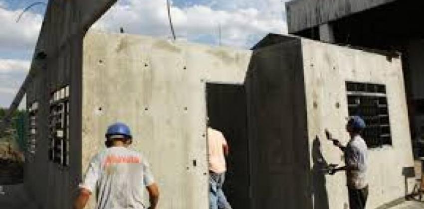 Construção de Paredes de Concreto