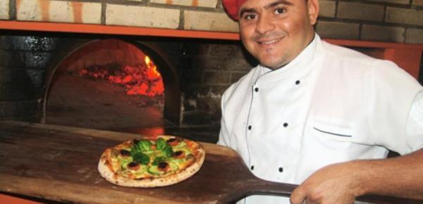 Saiba mais sobre o curso Pizzaiolo